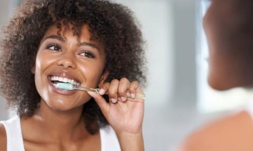 Методът на Бас. Най-разпространената и ефективена техника за миене на зъбите